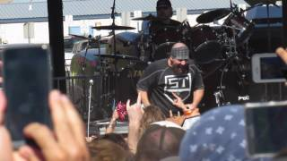 Suicidal Tendencies Can't bring me down live OzzFest California 2016