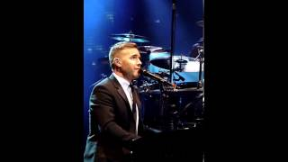 Gary Barlow feat. Nell Bryden - Fairytale (live in Manchester, 07.12.12)