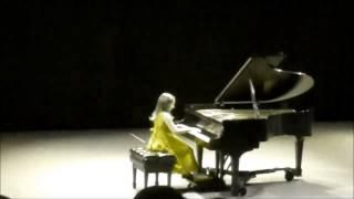 Emily Bear - Tutti Frutti (Live)
