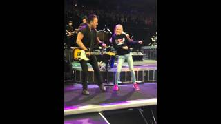 Bruce Springsteen and Boo Dancing In The Dark River Tour 2016 Oakland