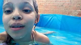 Dia de piscina parte 1