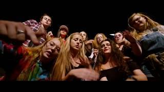 Girls Like You le Maroon 5 - Gaeilge