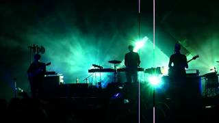 """The XX - """"Intro"""" + """"Leave"""" (new song) Live @ Turin (Italy)"""