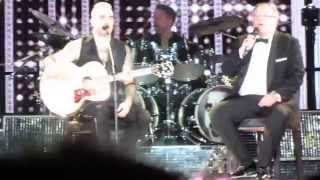 Robbie Williams - Better Man (featuring his DAD) [Live in Madrid 2015 HD Let Me Entertain You Tour]