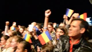 Andrei Leonte își aruncă inima de pe scenă la Botoșani