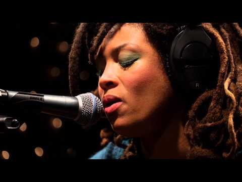 valerie-june-if-you-love-and-let-go-live-on-kexp-kexp
