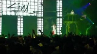Eminem Dissing Mariah Carey Live