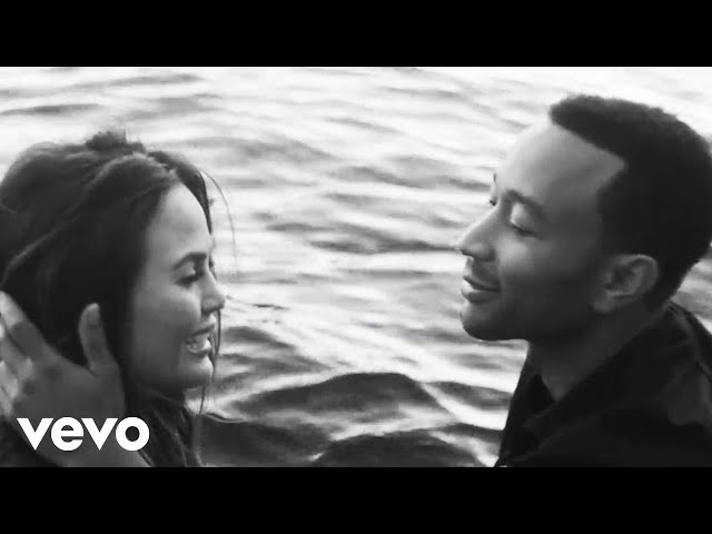 "Videoclip oficial de la canción ""All of Me"" de John Legend."