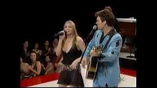 Elvis tribute - Leann Rimes & Chris Isaak (Devil in disguise)