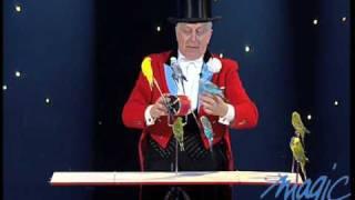Norman Barrett - Dressage Perruches - LE PLUS GRAND CABARET DU MONDE