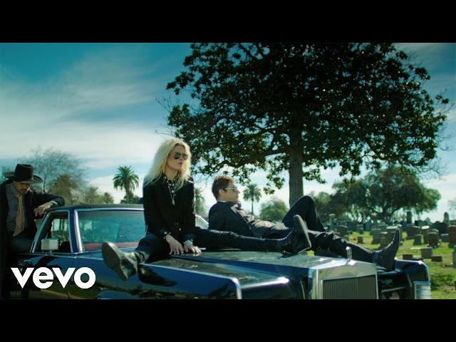Video oficial de The Kills Doint it To death