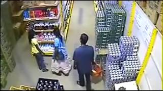 Girl Thief in Shopping Mall captured live on CCTV jCMs0y0w6MY
