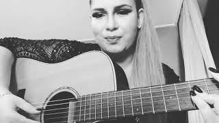 """Marília Mendonça cantando """" A música mais triste do ano"""" ."""