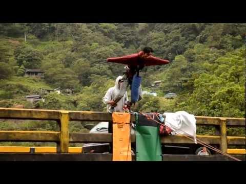 Salto del puente Rio Blanco Baños Ecuador