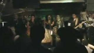 Lily - Sobran Las Palabras (Insignia Live)