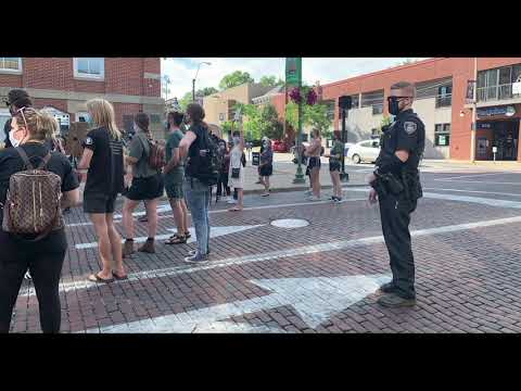 Read the full story here: https://www.thepostathens.com/article/2020/09/athens-ohio-protest-black-lives-matter Video by: Devyn Latture Editing by: Devyn Latture Photos by: Laura Cerimele Visit our website: https://www.thepostathens.com/ Find us on social media: Instagram: https://www.instagram.com/thepostathens/ Twitter: https://twitter.com/ThePost Facebook: https://www.facebook.com/ThePostAthens