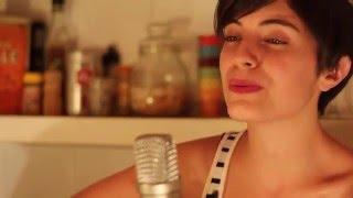 Promesas sobre el bidet (Acoustic Cover - Charly García) - Malena Di Bello