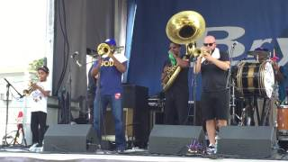 "Soul Brass Band ""In Bloom"" (Nirvana  cover) Bayou Boogaloo 2016-05-21"