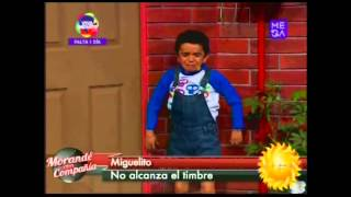 """Miguelito no alcanza a tocar el timbre en """"El Muro"""" de Morandé con Compañía"""