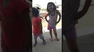 Bailando perreo brasilero  mis niñas nahir  y elian