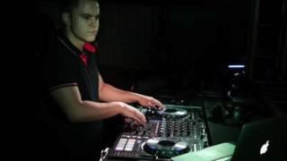 Os Cretinos Feat. MC Lan   Toc Toc Quem é? É o Lan que ta chegando Remix Dj Sérgio Cabral 2017
