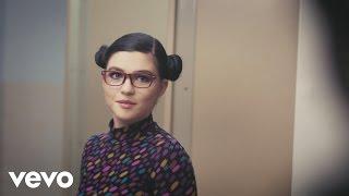Phoebe Ryan - Chronic (Behind The Scenes)