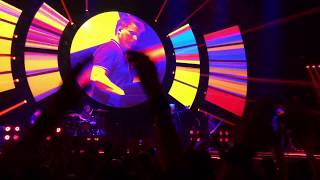 Indochine - Station 13, live 13 Tour (extrait)
