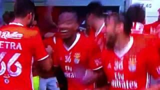 O Benfica tetra campeão e Elizeu a na mota do tetra o melhor festejo do mundo