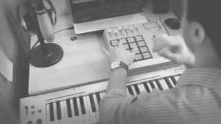 Making A Sampled Soul Hip Hop Beat (Making a sad rap Instrumental)