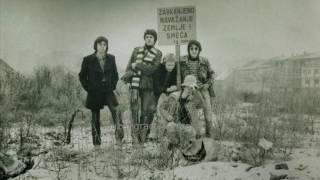Prljavo Kazaliste  - ... U Ratu  ( 1978 Yugoslav Punk  / Proto Hardcore Punk )