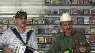 JESUS ZUNIGA Y RAMIRO CAVAZOS La Delgadita (Ruben Vela)