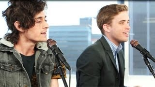 """THE SUMMER SET """"BOOMERANG"""" ACOUSTIC PERFORMANCE AT CLEVVER MUSIC"""