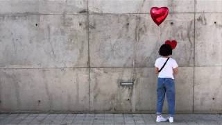 Banksy's girl with balloon grew up