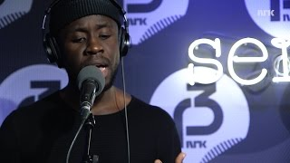 """P3 Christine Live: Mugisho """"Scared To Be Lonely"""" (Martin Garrix cover)"""