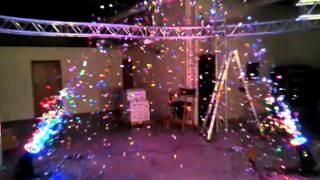 Continuous confetti machine