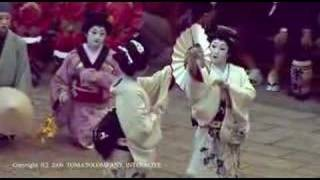 Japanese dance of beautiful GEISHA  美しい芸者の舞踊