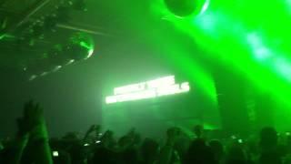 Headhunterz vs Psyko Punkz - intro - Bassleader 2011