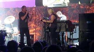 Deep Purple Paris 2017: Big Ian talks first to Stevie, second with Stevie's guitar