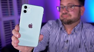 Unboxing the iPhone 11 with clear Apple phone case