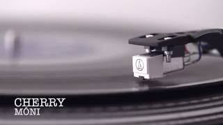Cherry - Móni (lyric video)