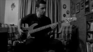 Lost art of keeping a secret (Live) - QOTSA (Bass Cover)
