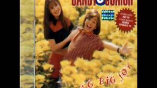Sandy e Junior - Dig, Dig, Joy