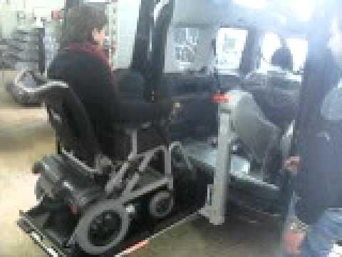 Fiat Doblo araç üzerinde Fiorella engelli araç lifti