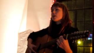 COMFORT MUSIC: Angel Olsen