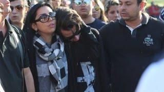 "Eyshila canta a música ""Espírito Santo"" durante enterro do filho Matheus Oliveira"