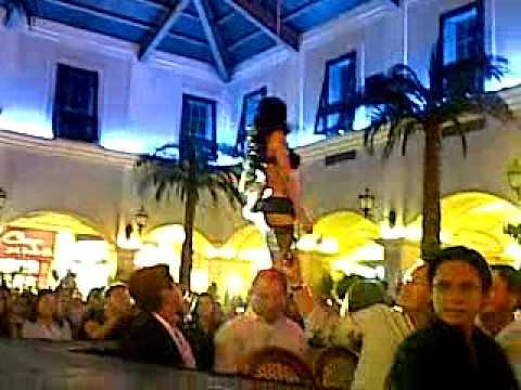 Desfile Larissa Riquelme en Ecuador