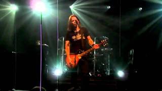Alter Bridge - Blackbird (live)
