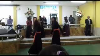 Coreografia e louvor .. No silêncio ❤ ( Ministério Zoe)