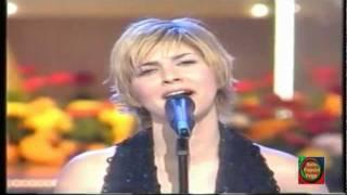 PASION VEGA - Y ADEMÁS (2003)