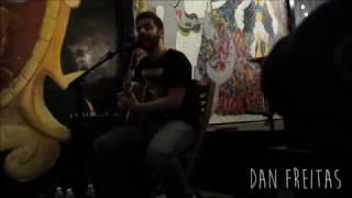 Dan Freitas canta De Você Só Quero Amor